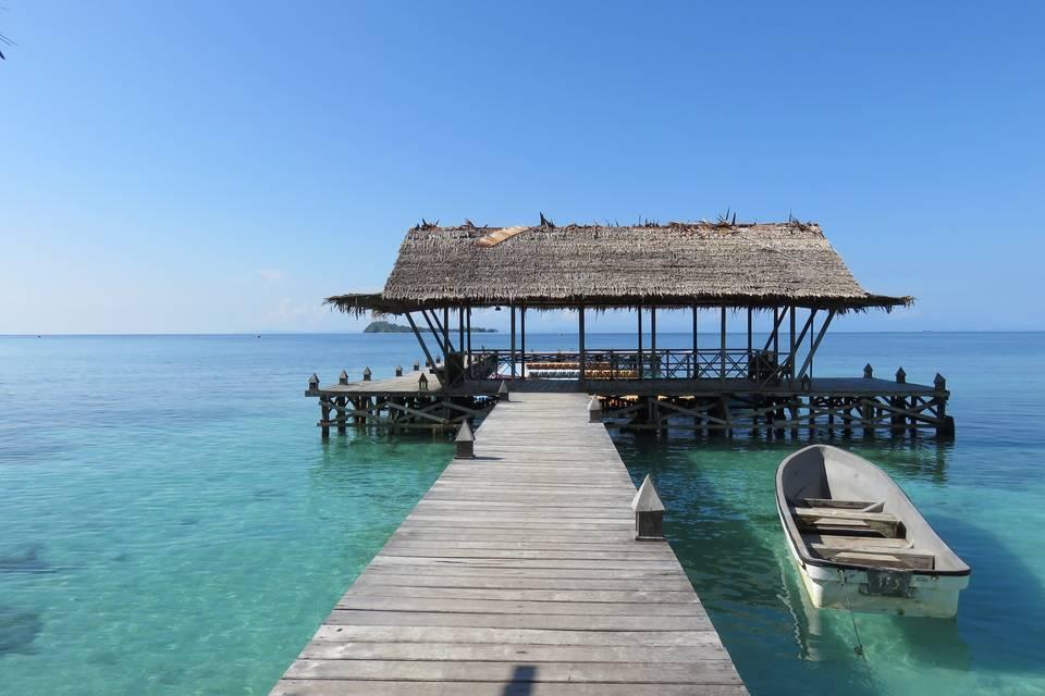 Waiwo dive resort in raja ampat indonesi van verre - Raja ampat dive resort ...