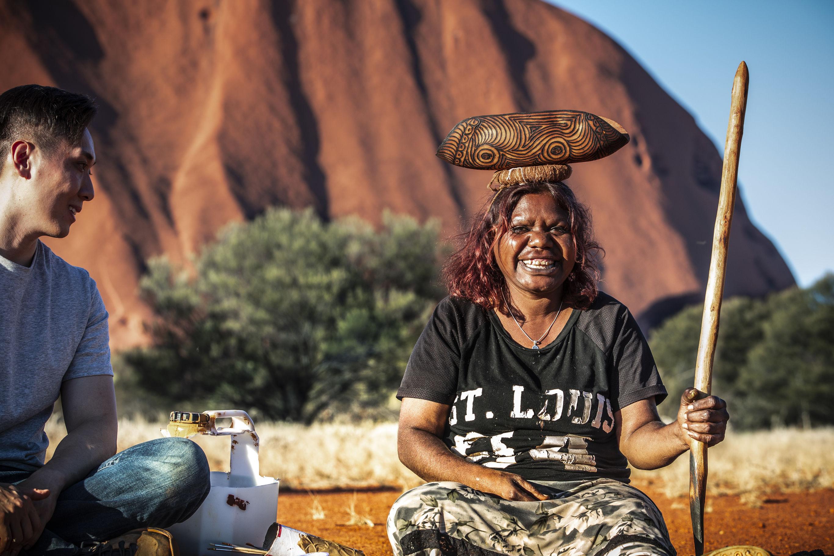 Australie-Uluru-Aboriginal-vrouw_1_558834 China