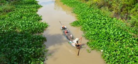 Bouwsteen Vanuit Phnom Penh naar Vietnam