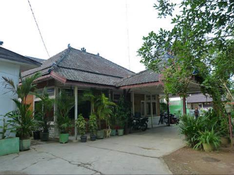 Wisma duta hotel in kandangan op kalimantan indonesi van verre - Koloniale stijl kantoor ...